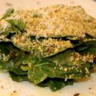 Spinach salad with Parmesan cheese and Pistachios
